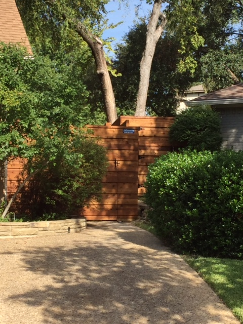 garden fence contractor