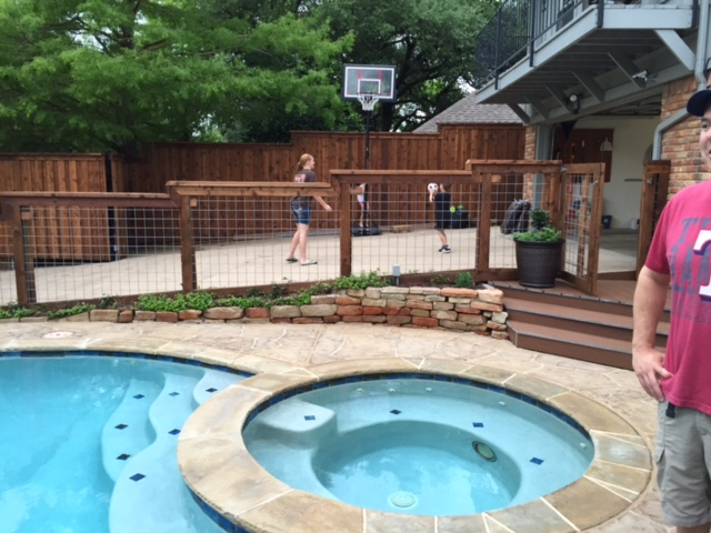 swimming pool fence contractor